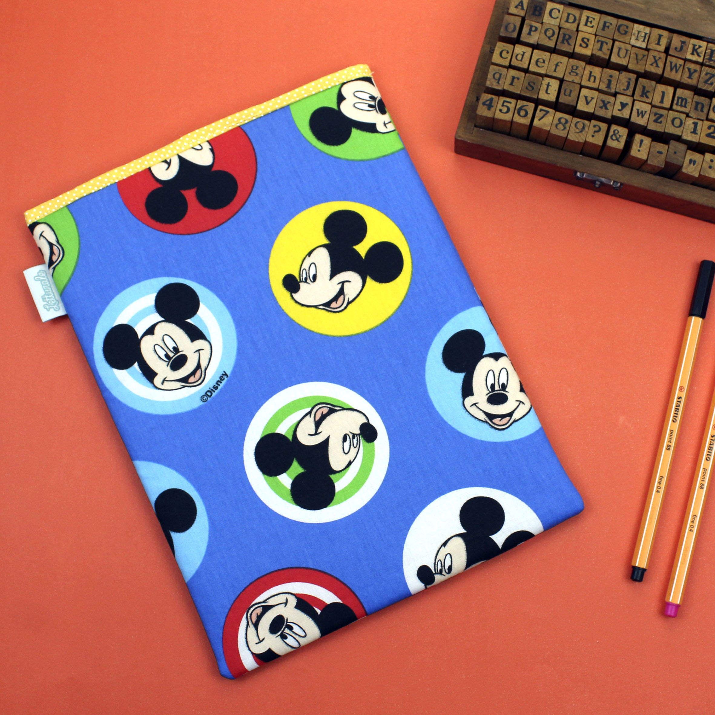 Book Sleeve Slim Mickey - PRONTA-ENTREGA