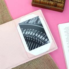 Capa para Kindle PaperWhite Flores Tropicais - PRAZO DE PRODUÇÃO: 15 DIAS ÚTEIS